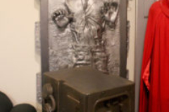 Life-size statue display - Han-in-carbonite, gonk droid
