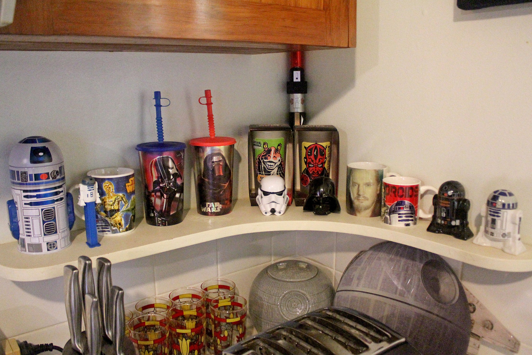 Star Wars cups, mugs, salt & pepper shakers