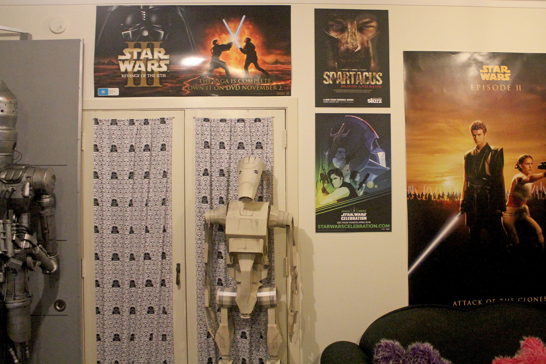 Cardboard Battle Droid, Star Wars curtains, posters